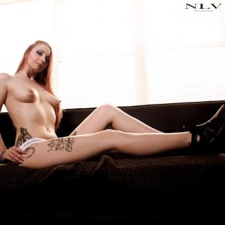 marie-thigh-tattoo-3