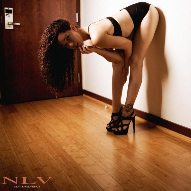 amelia-sexy-legs-heels-1