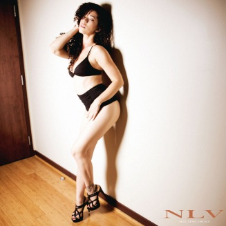 amelia-sexy-legs-heels-3