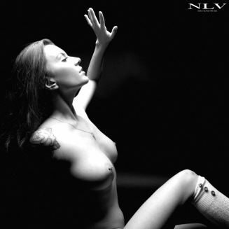 black-and-white-nude-3