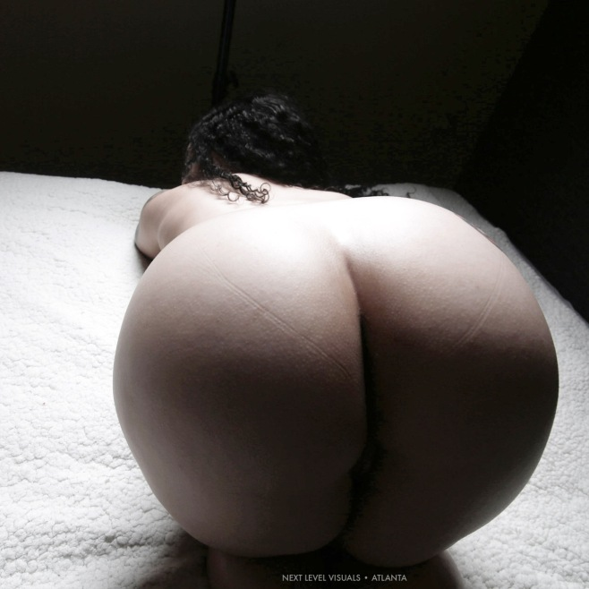soft-thicc-curves-4
