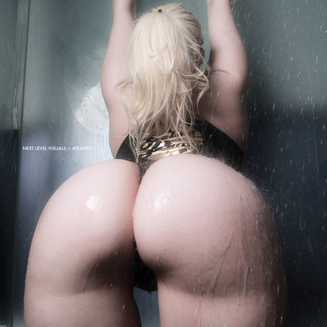 lacey-jane-showering-3